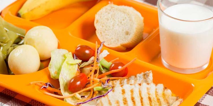 lunch-tray-web Feds to Reinvent School Lunches—with Flavored Skim Milk Full of Toxic Additives!