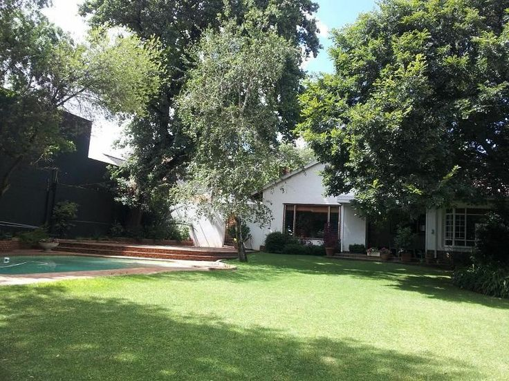 Beautiful Family Home Surrounded Set in a Picturesque Garden | Rosebank | Gumtree South Africa | 109756517