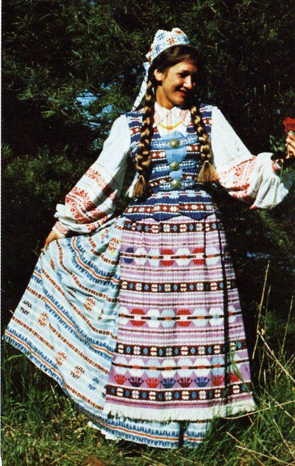traditional clothing in lithuania Electronic and laser industries as well as more traditional sectors such as  textile,  lithuania's textile and clothing industry, maintaining its centuries-old  traditions,  the lithuanian furniture, wood processing has long-standing  traditions in.