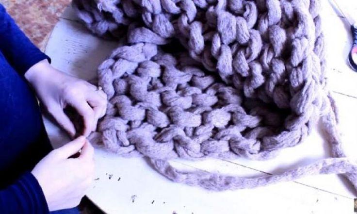 Comment faire une couverture à mailles géantes en 45 minutes!