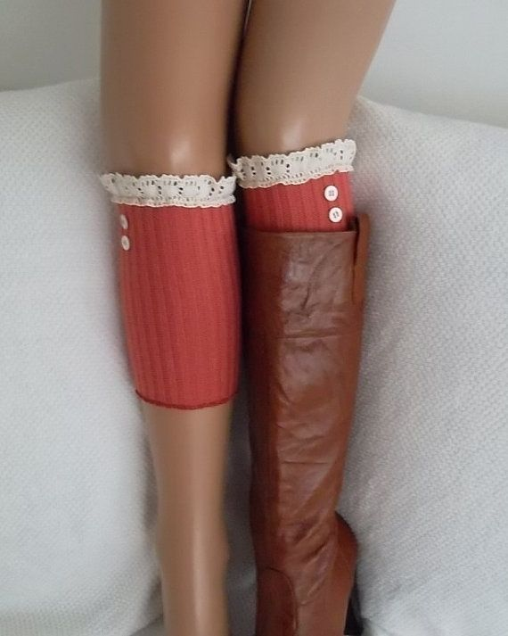 Pink lace boot cuffs with lace and buttons by CarnavalBoutique