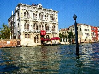 mytripadvice: Venice Get Rick Steves (Free) audio tour of the Grand Canal and download it. Take Vaporetto #1 towards St Marks square for a guided explanation of the trip.