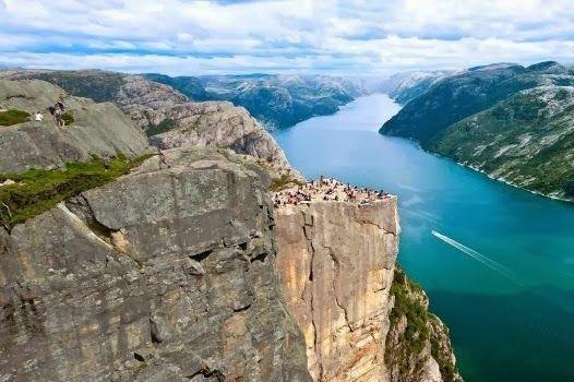 Fiordo Lysefjord Noruega. Paisajes más impresionantes del planeta