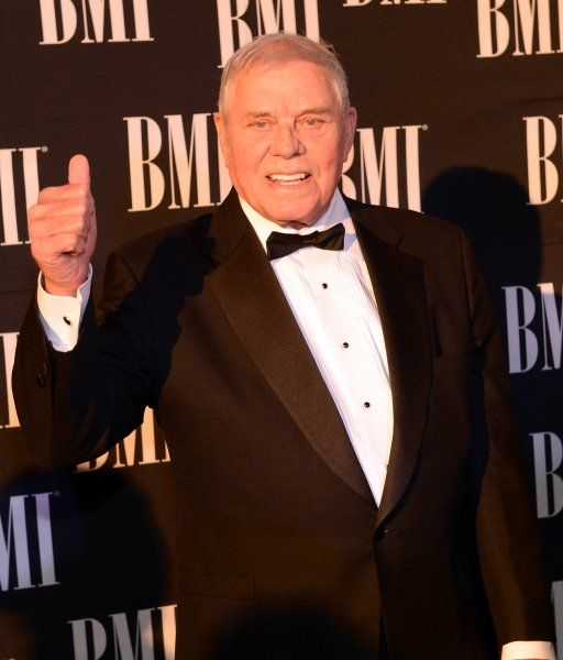 Welcome to the Official Website of Tom T. Hall
