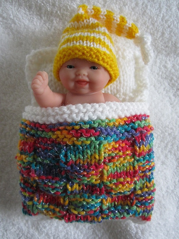 Free Crochet Pattern For American Girl Sleeping Bag : 1000+ images about Doll Sewing, Knitting and Crochet on ...