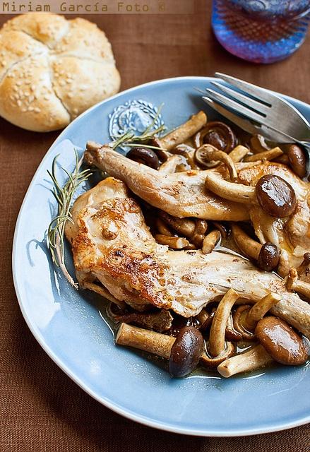 Autumnal rabbit stew / otoñal estofado de conejo