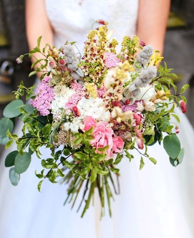 "Bloomed, big and beautiful flowers from the Blooming Green. For more Alternative Wedding inspiration, check out the No Ordinary Wedding article ""20 Quirky Alternatives to the Traditional Wedding""  http://www.noordinarywedding.com/inspiration/20-quirky-alternatives-traditional-wedding-part-2"