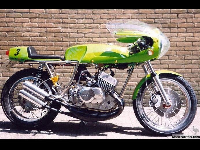 カフェレーサーバイク カワサキ カフェレーサー