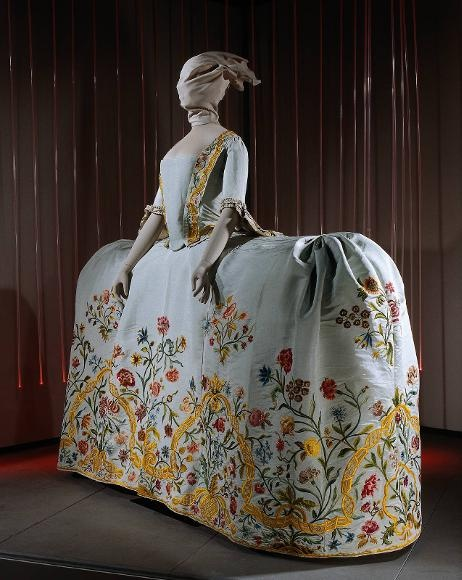 1700s Court gown, embroidered silk.