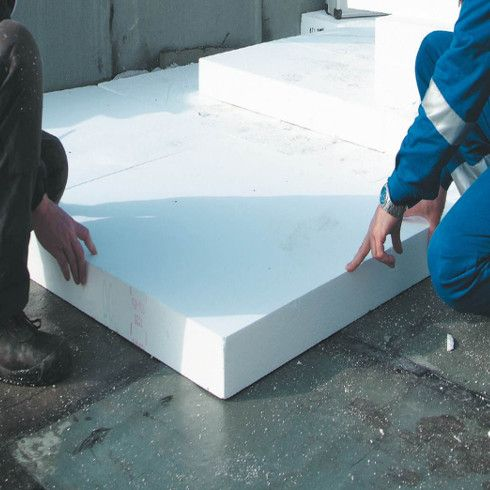 Die Flachdach-Dämmplatten ISOVER EPS ermöglichen eine sichere und leistungsstarke Flachdachdämmung