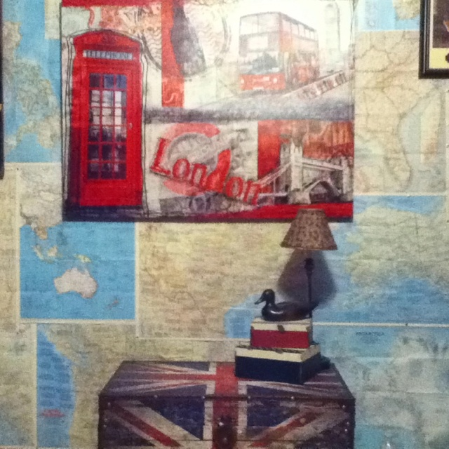 British bedroom wall. Thank you Kenzie for the union jack chest!!!