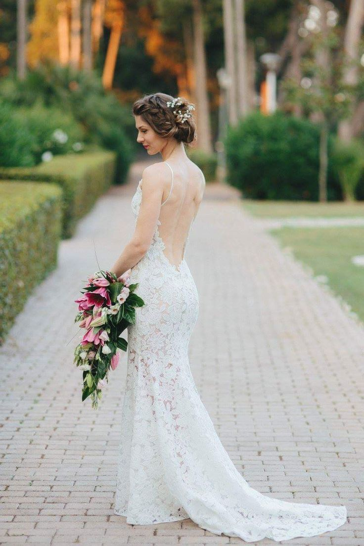 Enikő was wearing this gorgeous custom made Daalarna mermaid macramé lace gown! She looked so pretty in it!