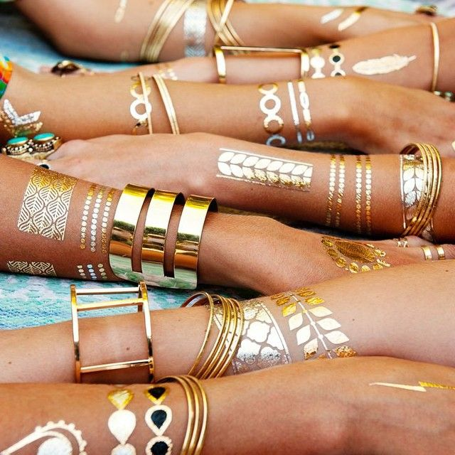 We are obsessed with these flash tattoos in gold and cannot wait for the warmer months. How adorbs will these be with your summer maxis and swimsuit?! We carry these in the boutique!