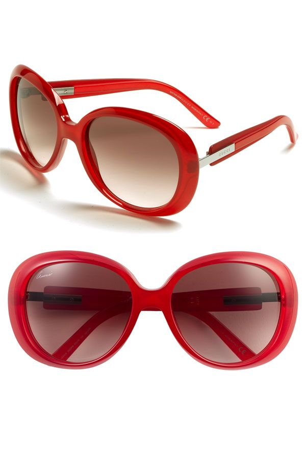 GUCCI. Loving the red.