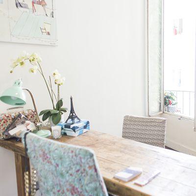 Chaises recouvertes de tissu Liberty chez My Little Paris
