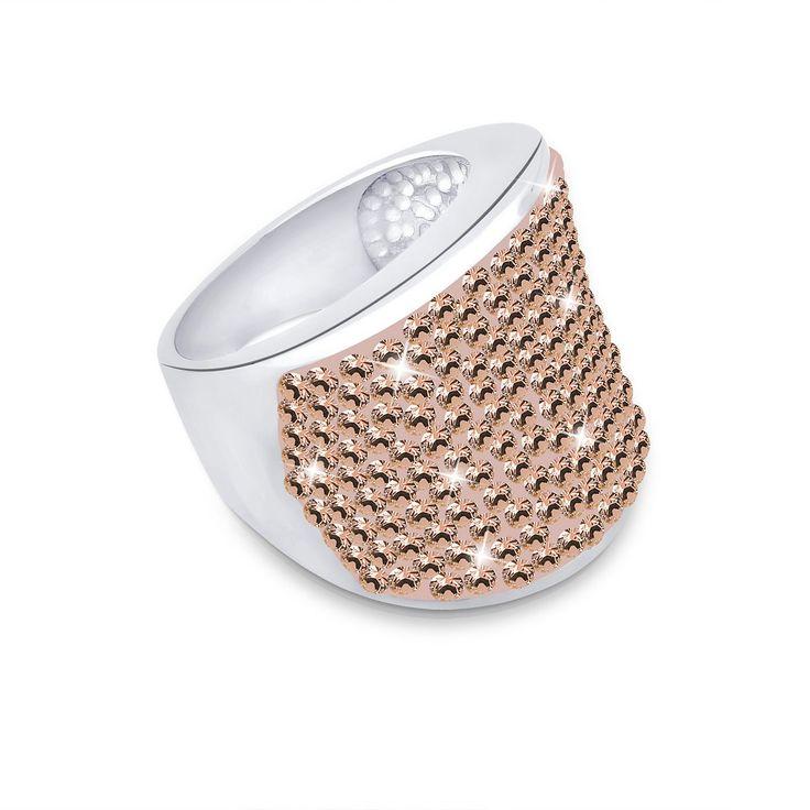 """Funkelnder Ring aus feinem 925er Sterlingsilber, besetzt mit 150 Kristallen von Swarovski (Durchmesser 1,5mm) in LIGHT PEACH, einer schönen Pfirsichfarbe.  Weitere Hilfe zur Ringgröße:  Angegebene Größe in mm entspricht """"Ring Innen-Umfang"""", Umrechnung in """"Ring Durchmesser Ø"""" wie folgt:  52mm Umfang = 16,5mm Ø 54mm Umfang = 17,2mm Ø 56mm Umfang = 17,8mm Ø 58mm Umfang = 18,4mm Ø  Produktdetails: ..."""