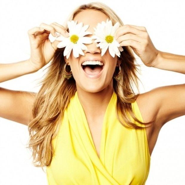 Φτιάξτε μόνες σας μια σούπερ αντιγηραντική κρέμα ματιών με βιταμίνη Ε !