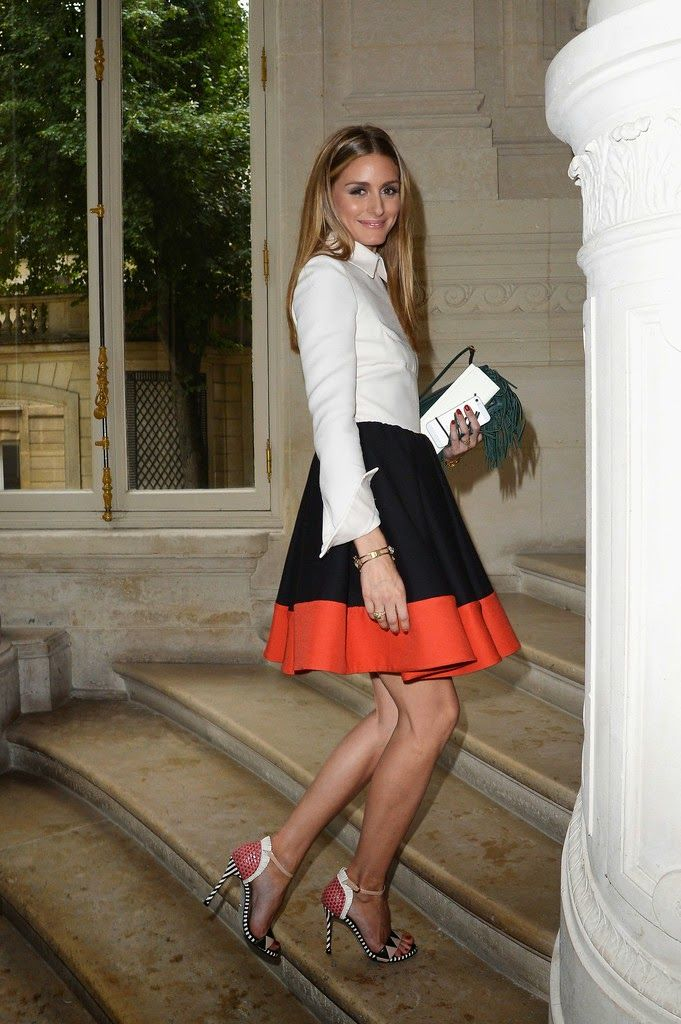 Love ❤️ look at those shoes and skirt