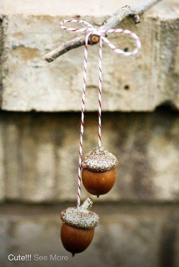 Christmas acorn decor
