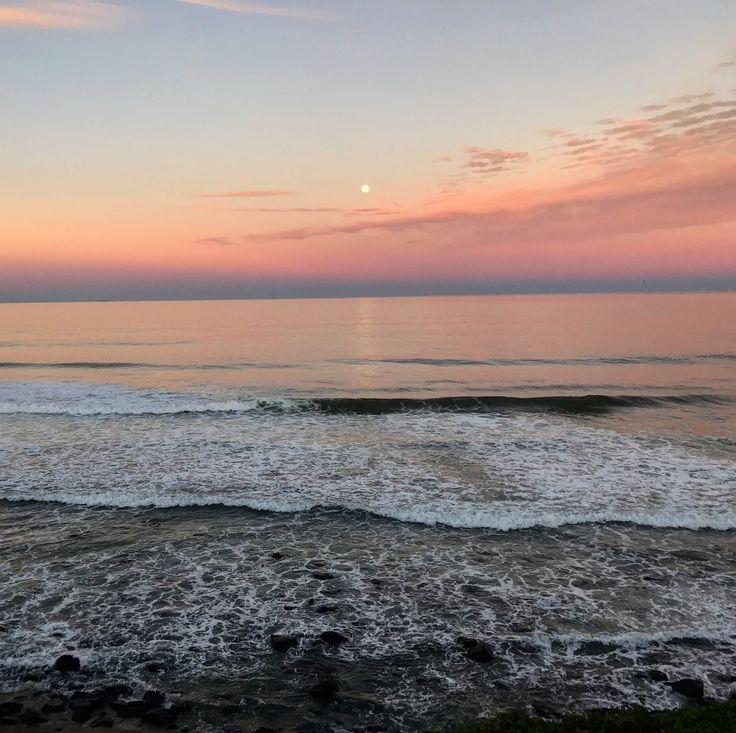 The full moon and pastels skies 💕 Sunset over Ballina, NSW AU #fullmoon #sunset #paradise #home #australia #winter
