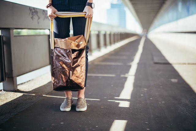 One Plus Me - fashion blog, Jana Maktoczy photography, Uashmama metalic bag