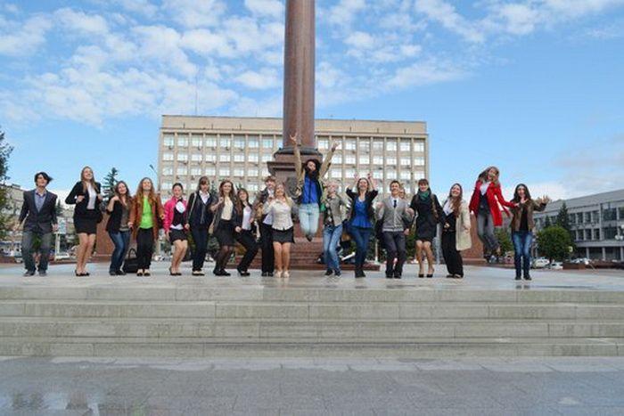Бывшие абитуриенты, а теперь студенты-первокурсники Тверского филиала Московского государственного университета экономики, статистики и информатики МЭСИ