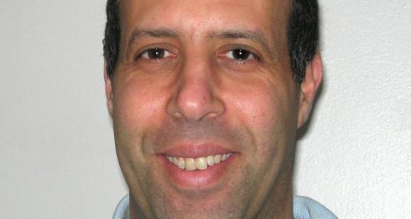 """Aziz Jellab, sociologue à l'université Lille 3 : """"Le lycée professionnel est par nécessité un laboratoire pédagogique"""" (France)"""