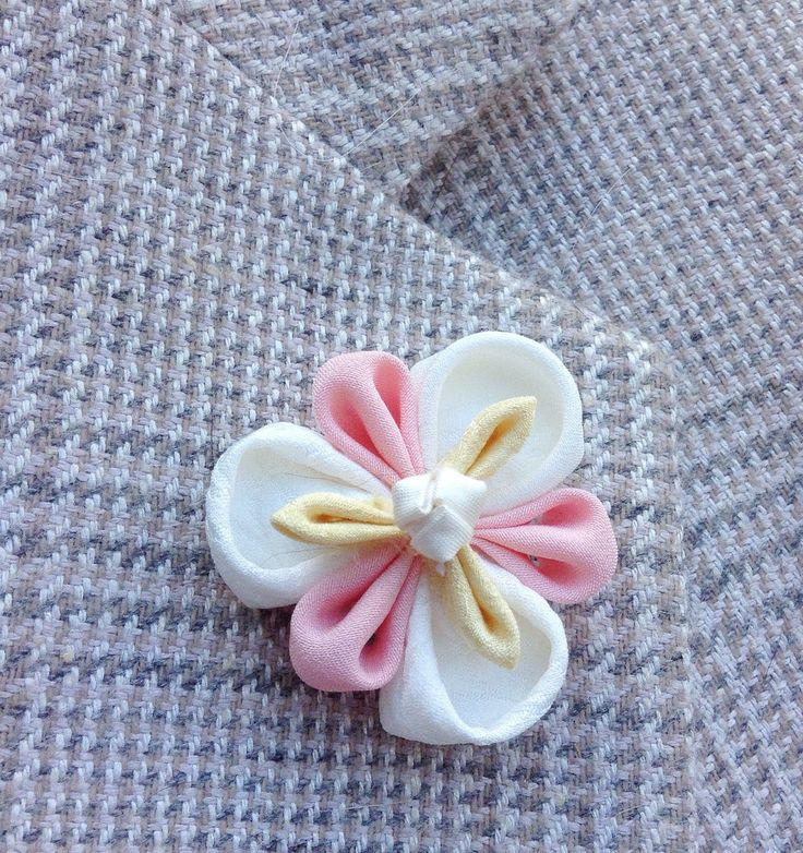 Mens Lapel Pin Flower White Lapel Flower Kanzashi Brooch Custom Lapel Pins Men Iris Boutonniere Wedding Party Gift Groomsman Gift For Him by exquisitelapel on Etsy https://www.etsy.com/listing/255243083/mens-lapel-pin-flower-white-lapel-flower