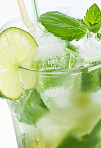 Mojito cocktails maken 1 - Bartenders On The Road - via http://www.bartenders-on-the-road.com
