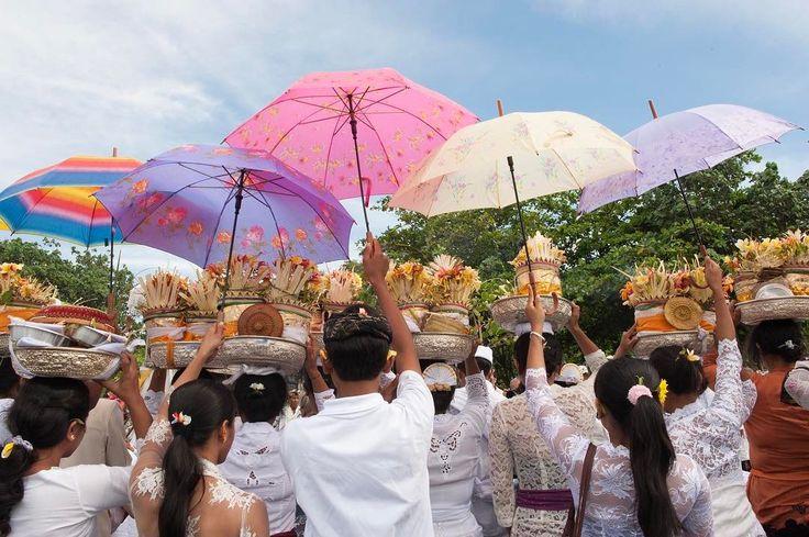 Umbrella #bali #balinese #indonesia #explorebali #festival #asia #amazing #awesome #discover #explore #instagood #photo #photography #photogram #travel #travelphotography #travelgram #place #mytravelgram #instalike #life #photooftheday #me #follow #followme #beautiful #picoftheday #swag #tflers