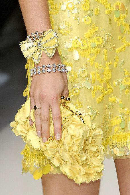 .: Yellow Fashion, Sunshine Yellow, Style, Mellow Yellow, Dress, Bag, Hello Yellow, Accessories, Sunny Yellow