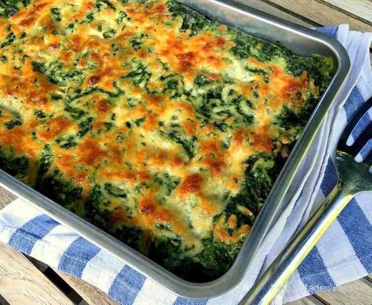 Super lækker opskrift på spinatlasagne med bechamelsauce - en perfekt vegetarmiddag eller måske et indslag til en kødfri dag.