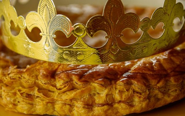 Do not miss a typical French Tradition! Who will be the king or the Queen of the day? Sunday 7th #renleparc #renhotels