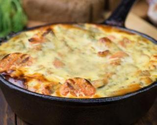 Clafoutis de carottes allégé au gouda et au fromage blanc : http://www.fourchette-et-bikini.fr/recettes/recettes-minceur/clafoutis-de-carottes-allege-au-gouda-et-au-fromage-blanc.html