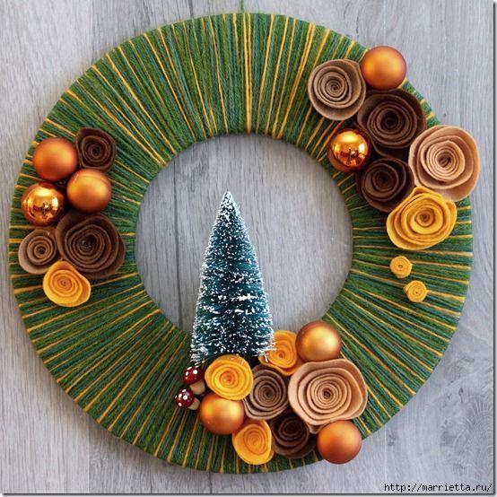 strong>Новогодние венки из пряжи с цветами из фетра. Видео мастер-класс