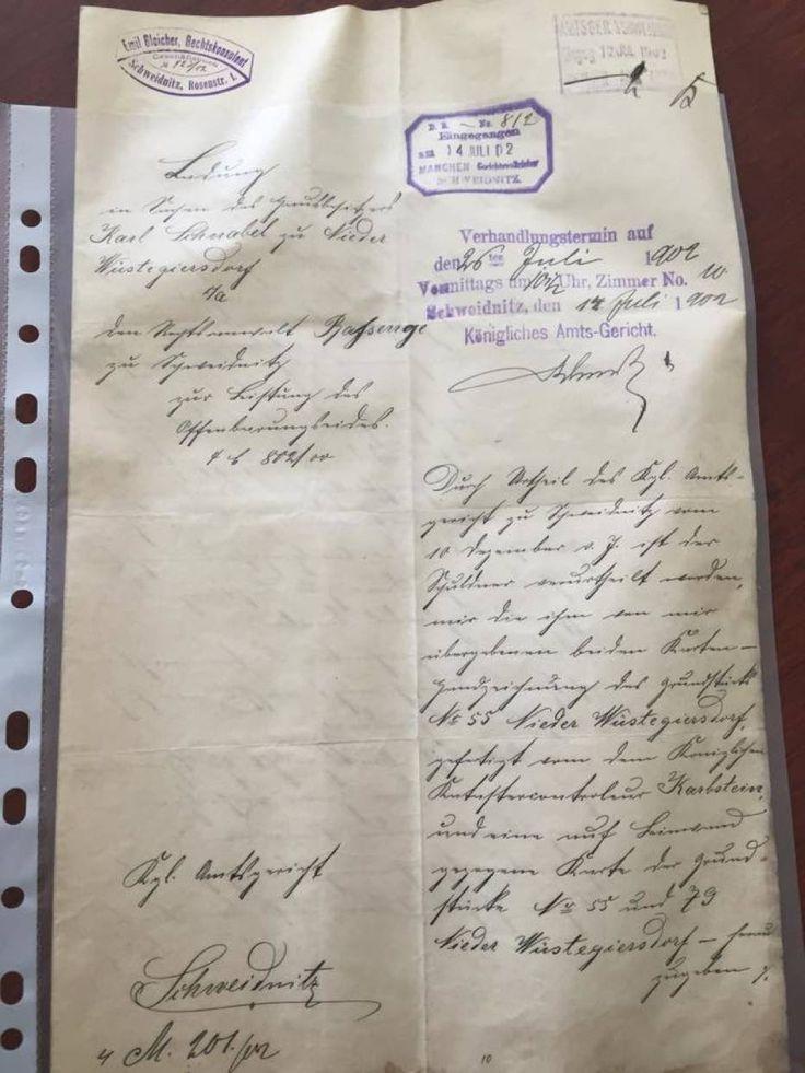 Akty notarialne z przełomu XIX i XX wieku znalezione w trakcie remontu dachu budynku w Głuszycy