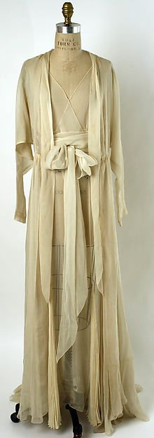 Nightgown Date: mid-1930s Culture: American or European Medium: silk Accession Number: 1976.37.9a–c