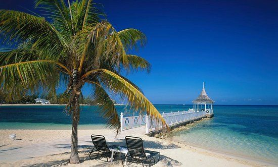 For beaches, beautiful weather and relaxing drinks by the pool, Rebecca loves spending time in Montego Bay, Jamaica.