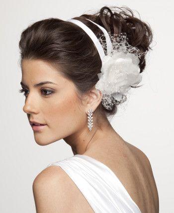 Penteado para uma noiva elegante!