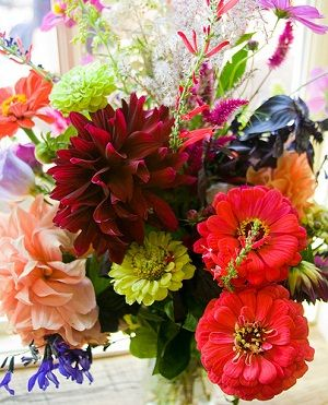 How to choose eco-friendly flower arrangements for #valentines #green