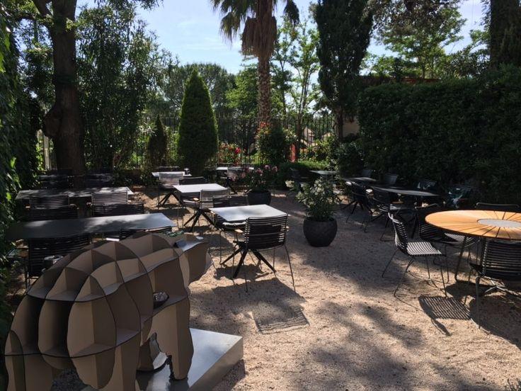 Houe - Collection Click Square Concept s'est chargée du relooking de L'Hostellerie Saint Alban situé à 5 mins de Pézenas.