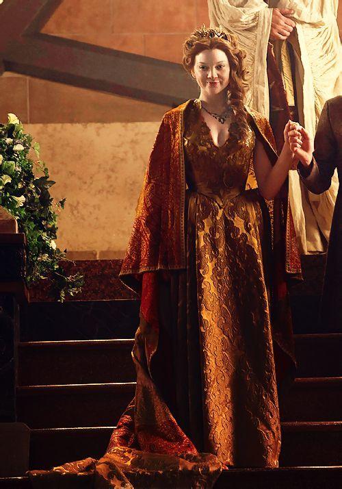 Game Of Thrones star Natalie Dormer takes the plunge in a ... |Natalie Dormer Game Of Thrones Dress