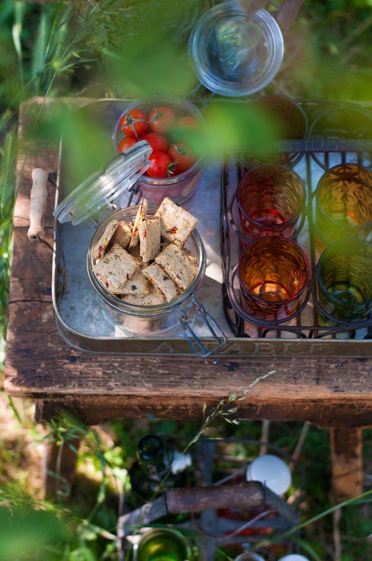{ Ça croustille ! }  Crackers végétaliens de petit épeautre aux graines,  Pistaches et tomates séchées  ♥ Sans lait ♥ Sans oeufs ♥ Vegan ♥ IG Bas