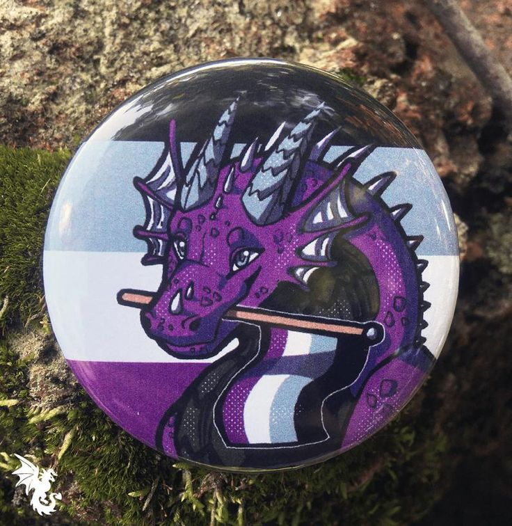 Dynamic Discs Ace Lapel Pin