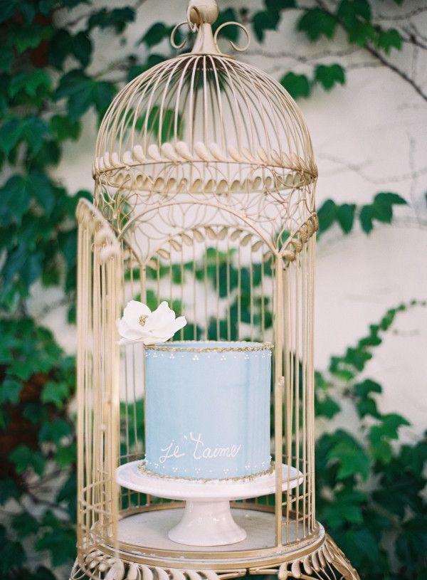 Blue wedding cake | Wedding inspiration at San Juan Capistrano by @naomivgoodman | Kurt Boomer Photography
