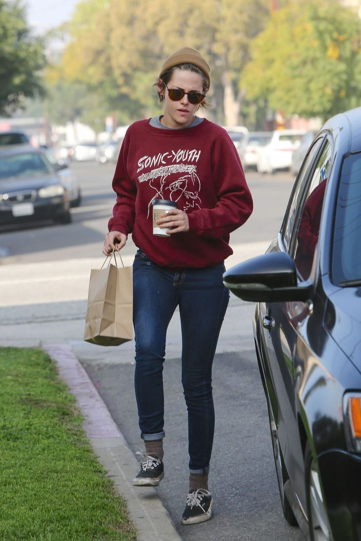 Kristen Stewart Casual Style – Out for Coffee with Alicia, February 2015