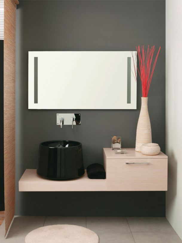 Mastro Fiore's stylish bath vanity / System Collection
