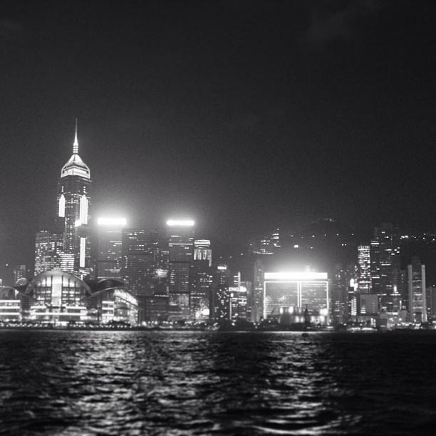 #hongkong #hk #china #victoriaharbour #skyline #skyscrapers #citylife #water #sea #waves