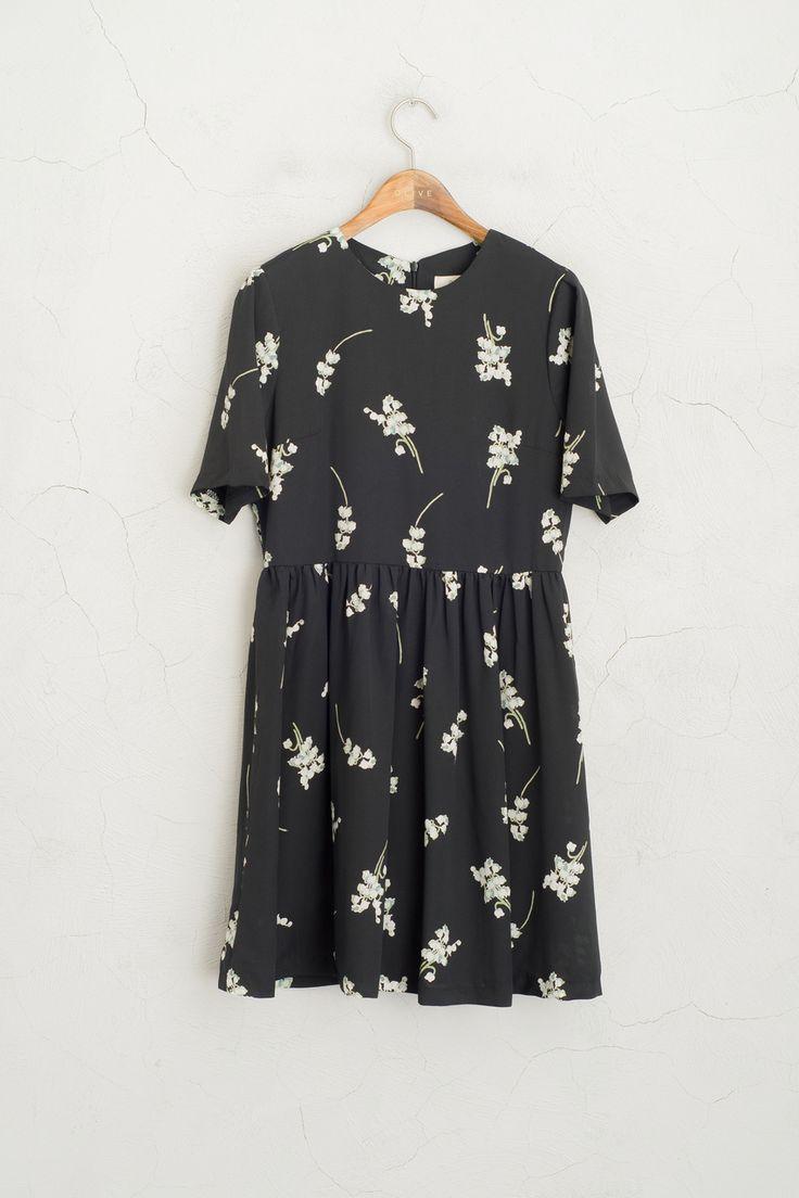 Olive - Big White Flower Print Short Sleeve Dress, Black, £59.00 (http://www.oliveclothing.com/p-oliveunique-20160310-071-black-big-white-flower-print-short-sleeve-dress-black)