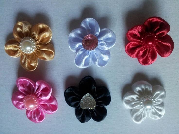Satijnen bloemen van Ladies in Fashion